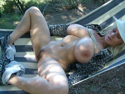 candaulisme avec cougar sexy et coquine 015