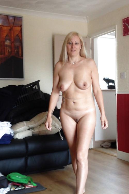 candaulisme avec cougar sexy et coquine 046