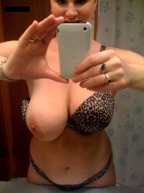 Vieille maman sexy cherche a baiser 01
