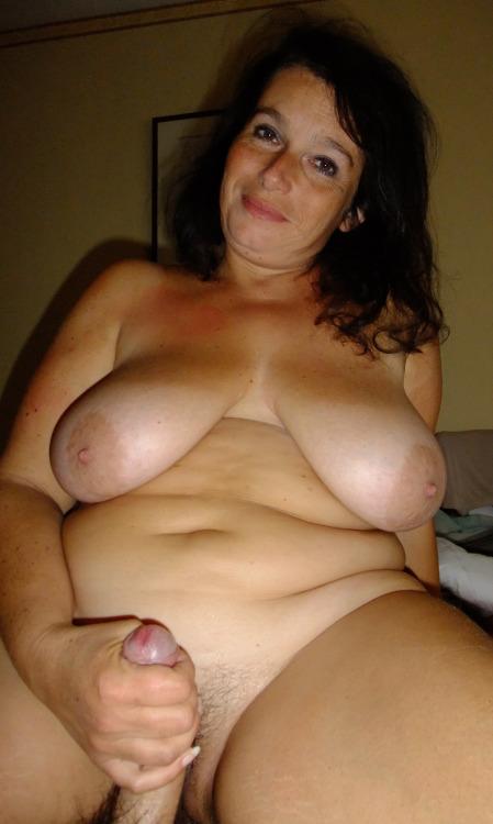 Vieille maman sexy cherche a baiser 17