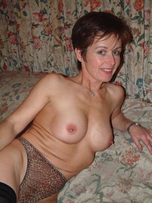 Vieille maman sexy cherche a baiser 60