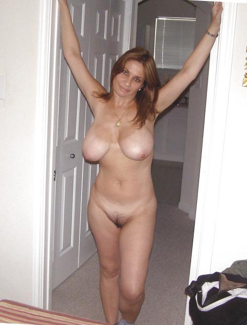 Vieille maman sexy cherche a baiser 79