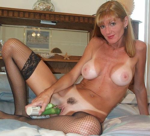 candaulisme avec cougar sexy et coquine 010