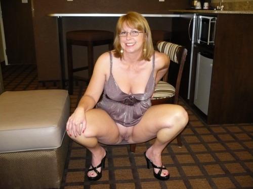 Vieille maman sexy cherche a baiser 37