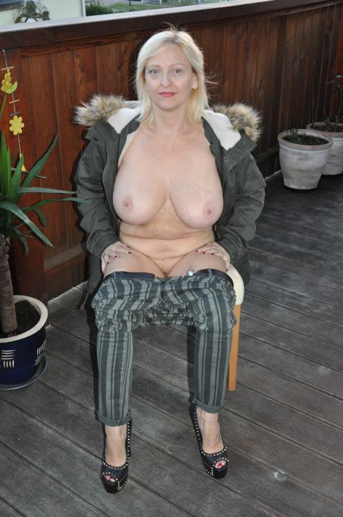 Vieille maman sexy cherche a baiser 57