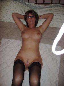 Vieille maman sexy cherche a baiser 65