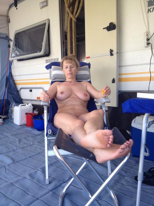 Vieille maman sexy cherche a baiser 75